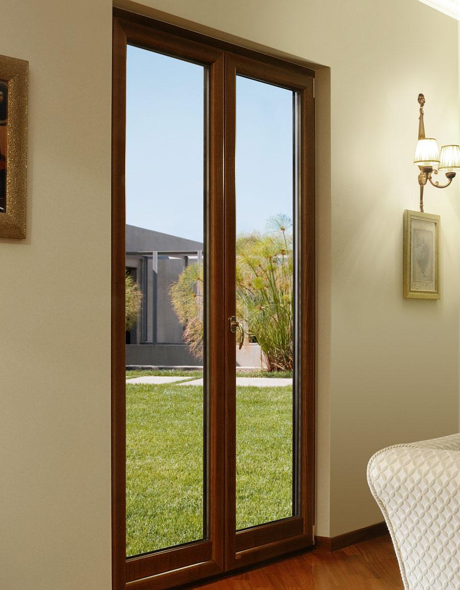 Infissi in legno milano italport produzione e vendita infissi porte e finestre - Vernice per finestre in legno ...