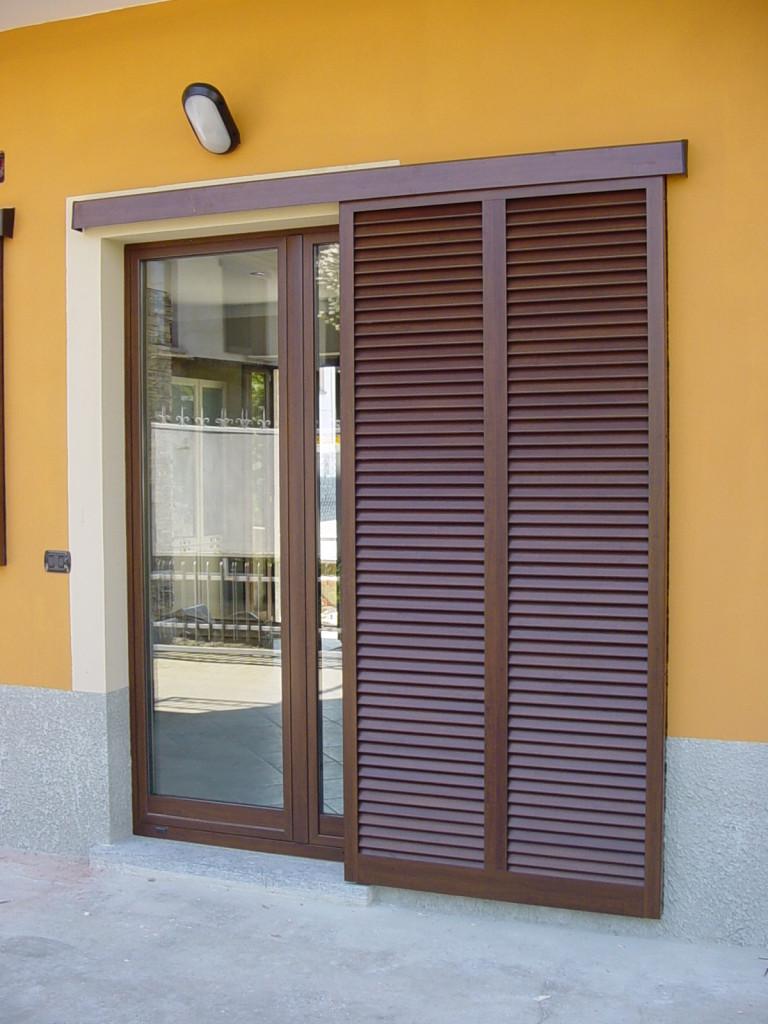 Persiane in alluminio milano italport produzione e vendita infissi porte e finestre - Colori per muro interno ...