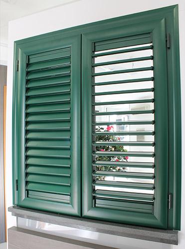 Persiane alluminio milano italport produzione e vendita for Disegno finestra con persiane
